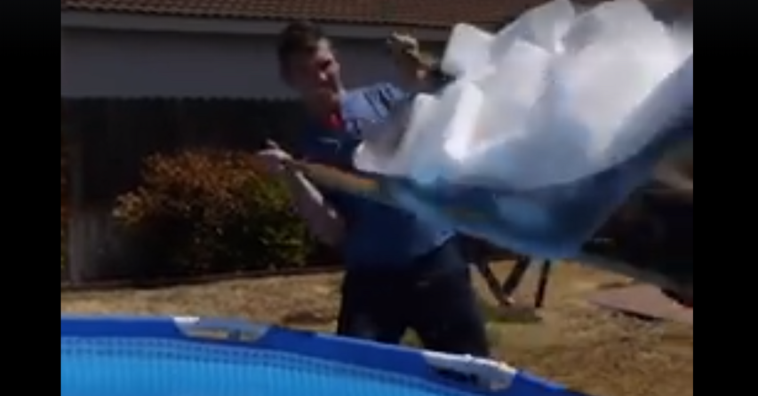 This Is What Happens When 1 000 Pounds Of Dry Ice Is Dumped Into A Swimming Pool Page 2 Of 2